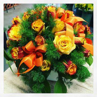centrotavola con rose arancio