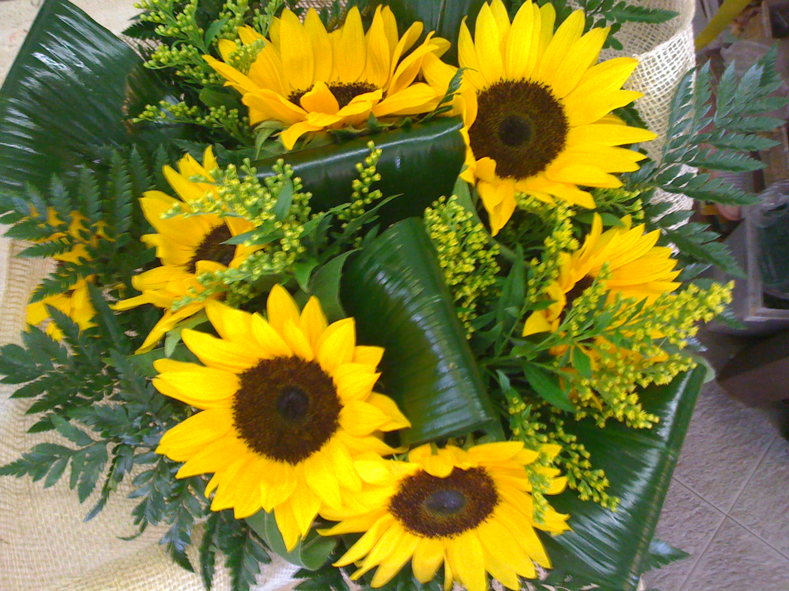 Super Bouquet di fiori con girasoli, un'elenco di varie composizioni TQ46