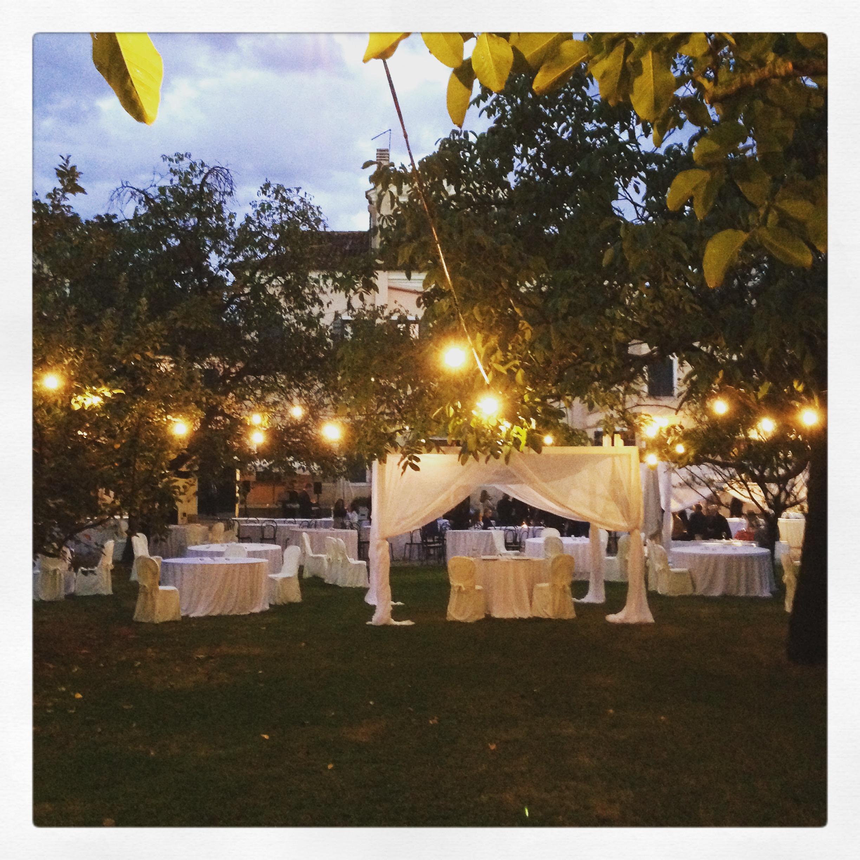 Matrimonio Tema Candele E Lanterne : Luci lanterne e candele per il vostro matrimonio