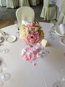 matrimonio con peonie rosa Villa Borromeo