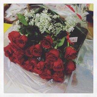 Mazzo di fiori con 30 rose rosse