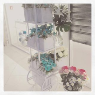 allestimento color Tiffany per un evento Pandora presso Le Brentelle