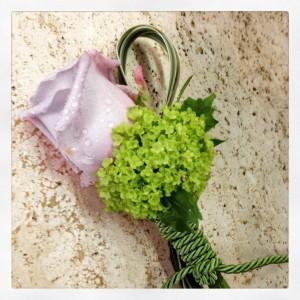fiore occhiello lilla