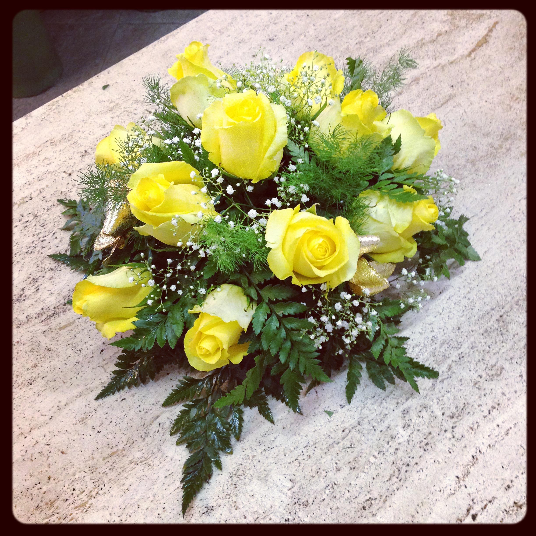 Fiori per anniversario nozze oro quali fiori regalare for Fiori con la l
