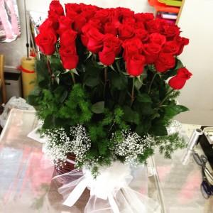 59 rose rosse per anniversario matrimonio