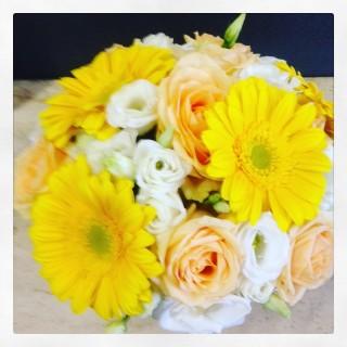 centrotavola di fiori per nozze oro