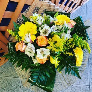 Fiori per anniversario nozze oro quali fiori regalare for Addobbi 25 anni di matrimonio