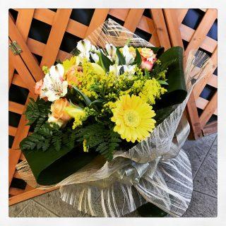 Bouquet di fiori per nozze oro