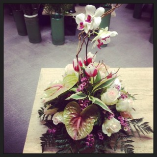 centrotavola con fiori per anniversari