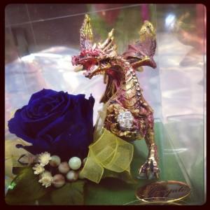 drago e rosa stabilizzata