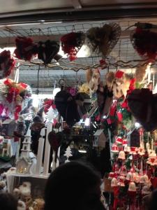 mercatino di Natale sotto il Palazzo Della Ragione a Padova
