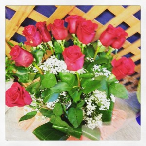 12 rose rosse