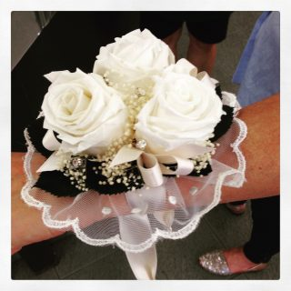 braccialetto di rose per sposa