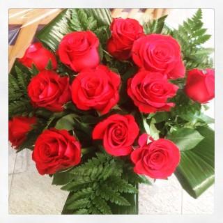 rose rosse anniversario matrimonio