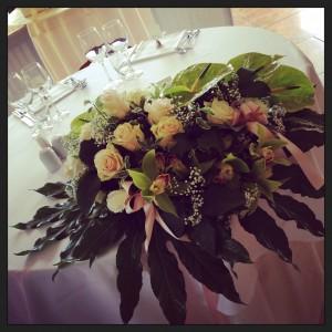 centrotavola sposi con rose cipria