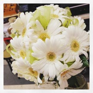 bouquet sposa con gerbere bianche