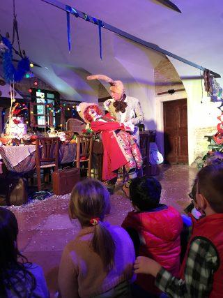 Alice nel Paese delle Meraviglie nel Castello di Thiene con la compagnia teatrale jar creative group