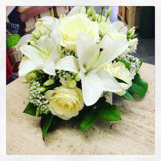 fiori per matrimonio come quelli usati in questo centrotavola