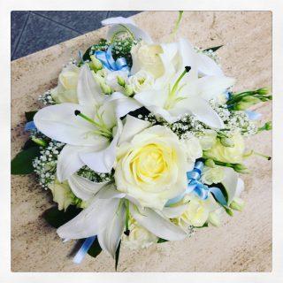 centrotavola fiori ideale anche per un battesimo