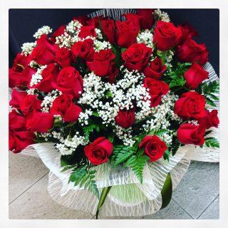 40 rose rosse per nozze di smeraldo40 rose rosse per nozze di smeraldo
