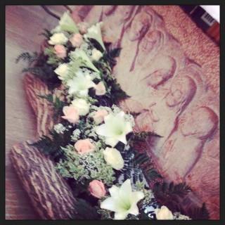 matrimonio con legno e fiori