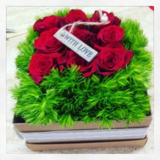 rose rosse in scatola