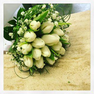 Bouquet Di Tulipani Per Sposa.Matrimonio E Tulipani 3 Buone Ragioni Per Sposarsi Idee Fiorite