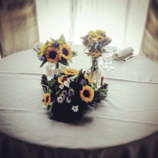 Matrimonio Country Chic Girasoli : Genziana e girasoli per un matrimonio in stile country chic