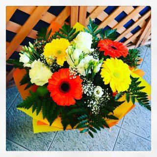 Bouquet di fiori per un compleanno con consegna a domicilio