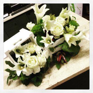 composizioni fiori in cassette di legno