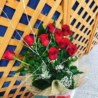 9 rose rosse a gambo lungo, per San Valentino, Anniversari o altre situazioni