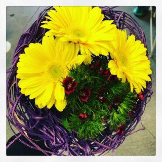 Composizione di fiori per la Festa della Donna