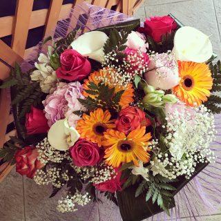 bouquet di fiori per una futura mamma