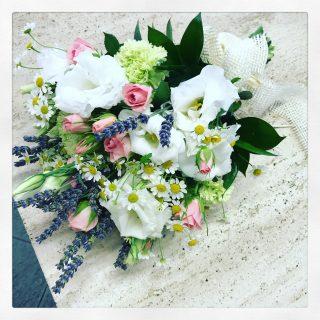 Bouquet sposa con camomilla e lavanda