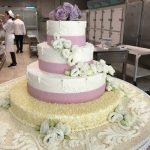 Come i cake toppers fanno la differenza sulla torta nuziale